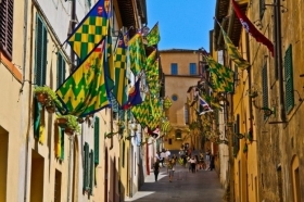 Palio Walking Tour -  Enocuriosi di Wine and Tours